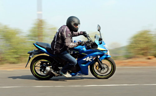 1458214843-1457449743-moto1