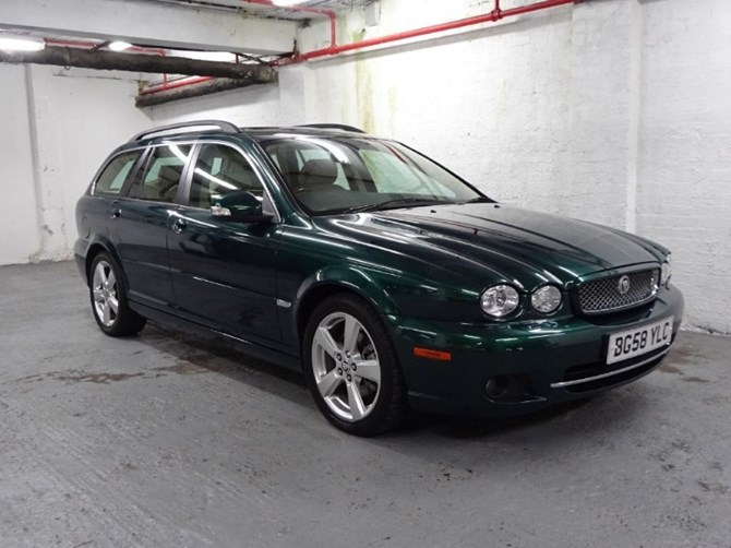 queen-elizabeth-used-to-drive-this-jaguar-x-type-sportwagon_5_rftr