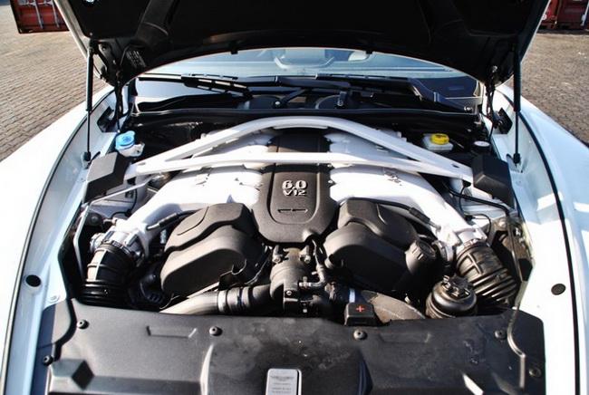 Autopress_vn-Aston-Martin-Vanquish-Carbon-White (16)