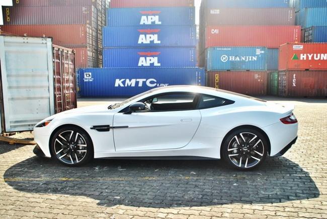 Autopress_vn-Aston-Martin-Vanquish-Carbon-White (5)