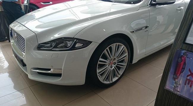 Jaguar-XJL-2016-2
