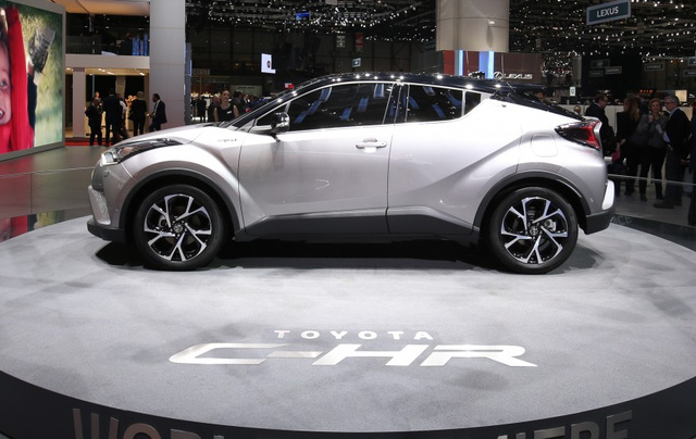 chi-tiet-toyota-chr-danh-cho-thi-truong-dong-nam-a