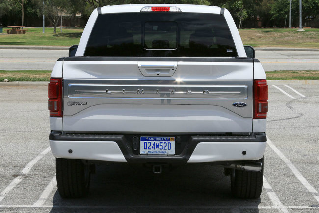 1465549786-ford2